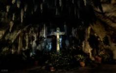 2 de Julio,Cueva Religiosa en El Parque de Los Enamorados.
